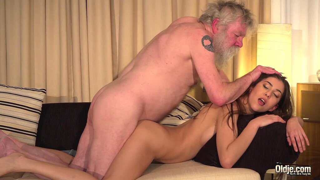 Free Hq Sexy Czech Teen Girl Having Sex With Old Man For Helping With Her Car Porn Photo